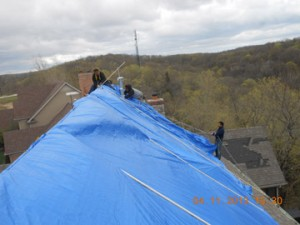 repair-damaged-roof-tarp